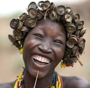 trash-jewellery-made-by-euthopian-tribal-pics-images-photos-pictures-bajiroo-1-600x587