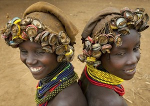 trash-jewellery-made-by-euthopian-tribal-pics-images-photos-pictures-bajiroo-2-600x424