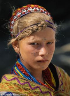 kalash-bomburet-valleyarticle-2558759-1b77500000000578-243_470x652